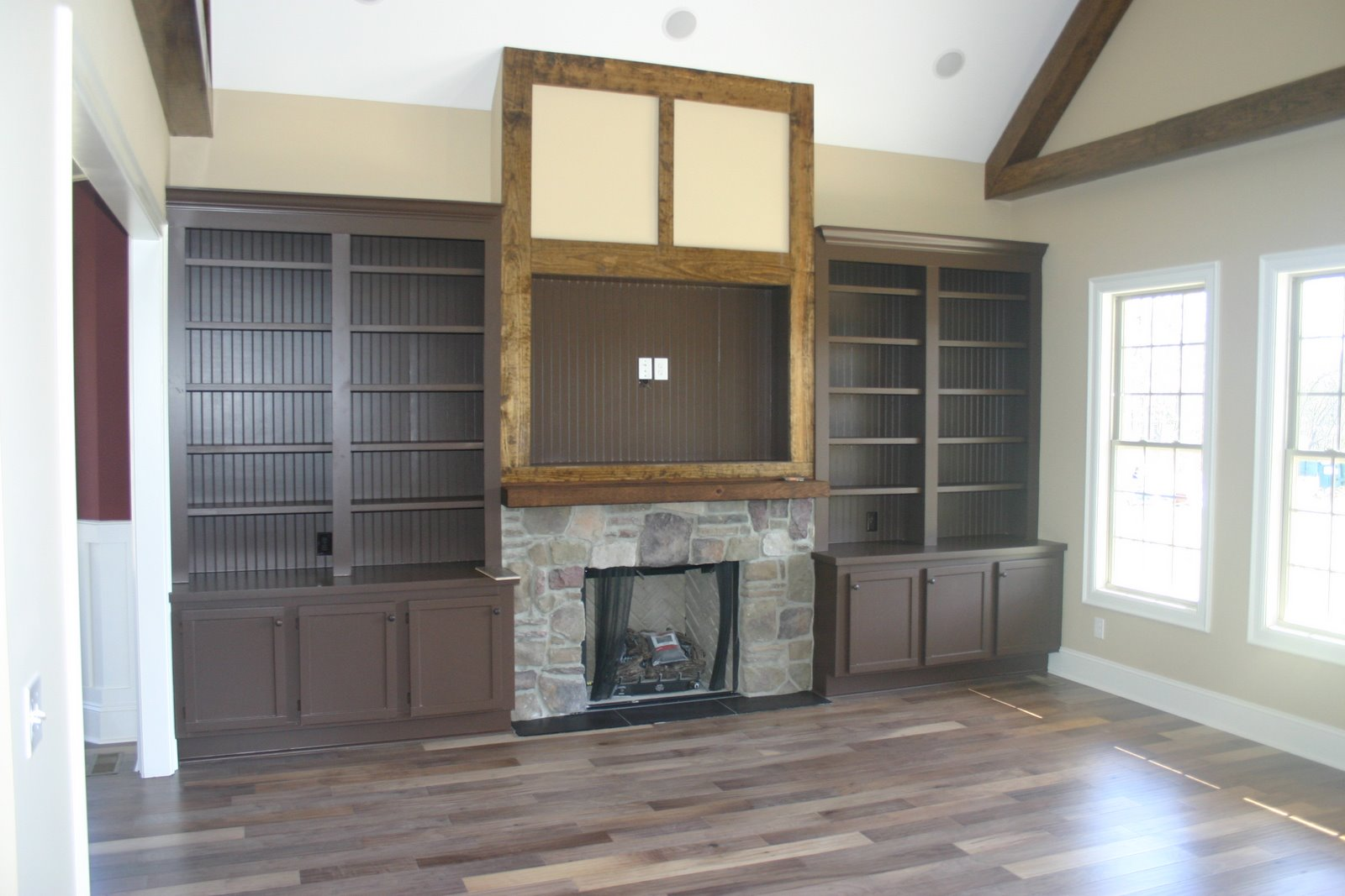 Fireplaces cabinets and built in cabinets on pinterest for Fireplace cabinet ideas
